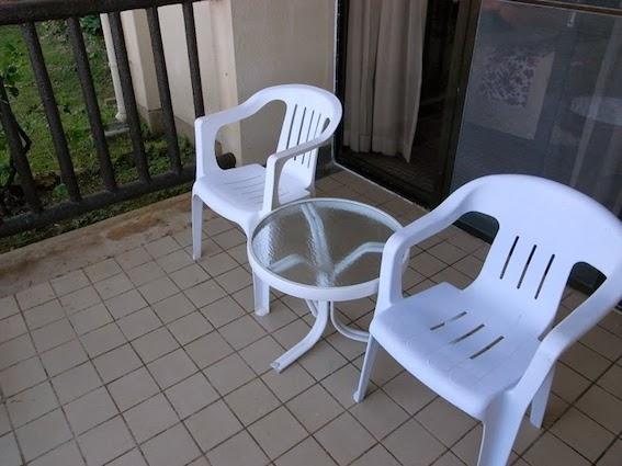 テラスの椅子