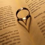 金属アレルギー 結婚指輪がつけられなくなった時の対策は?